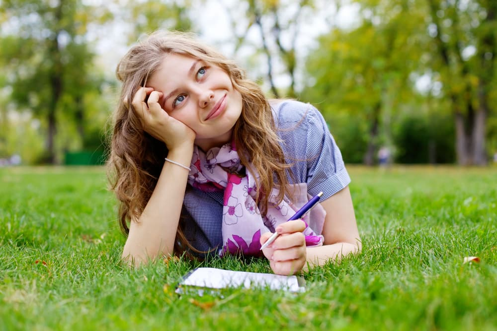 Juniors! Use Summer Break to Starting Writing Your College Essays
