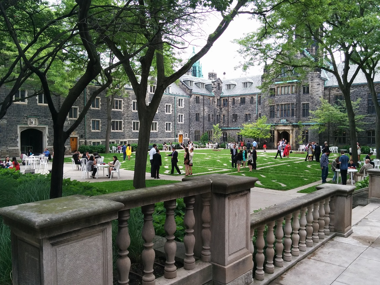 5 Questions To Ask When On A College Campus Tour