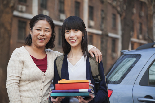3 Ways To Use Holiday Break To Help Your Kid Plan for College